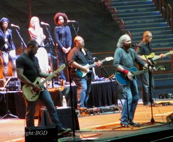 Stephen and Barry Gibb at a preshow sound check in Brisbane (february 13, 2013)